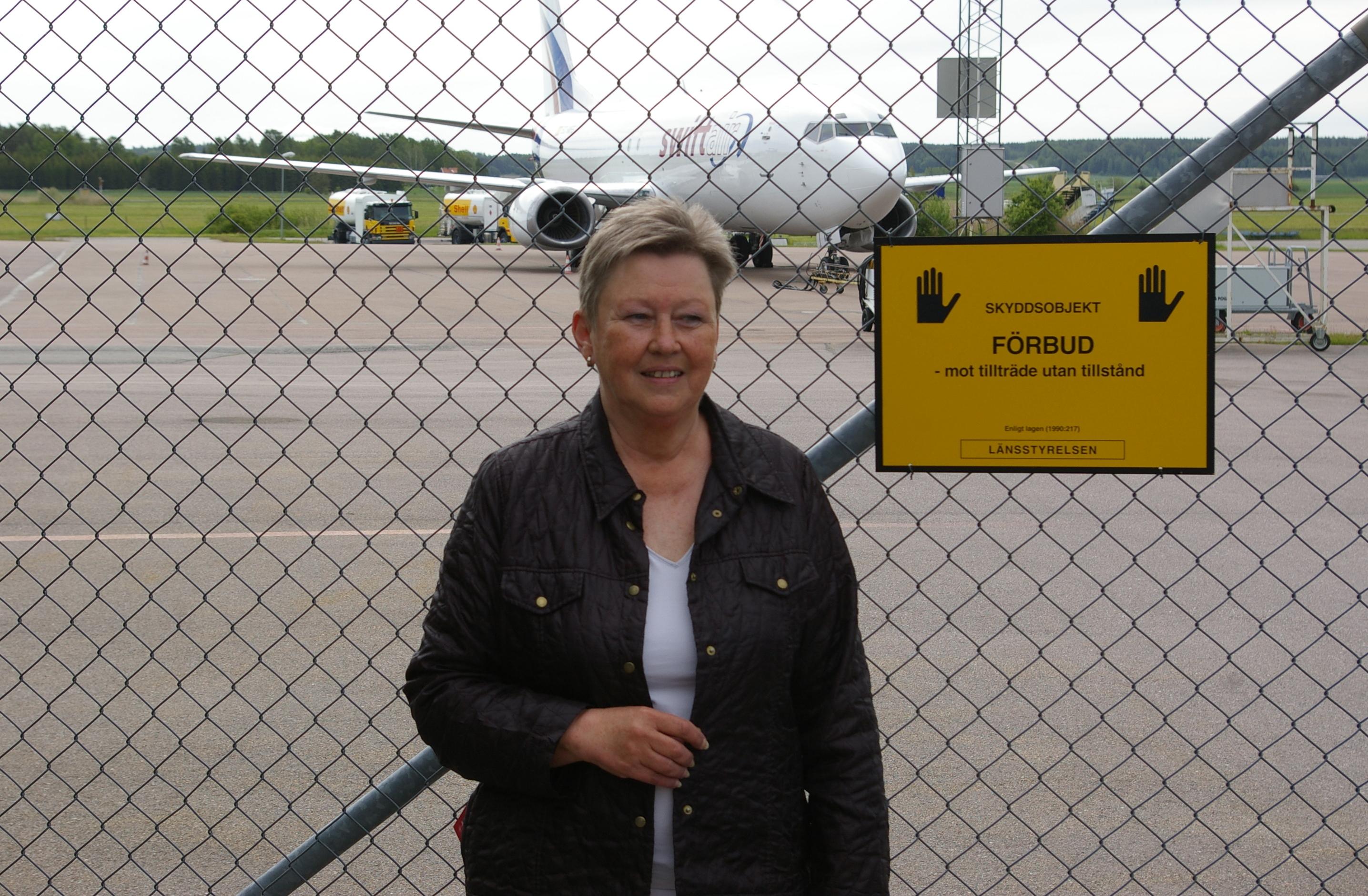 Lena Söderberg är socialdemokrat, fackligt aktiv, och ordförande för Västerås flygplats som har kontrakt med antifackliga Ryanair. Foto: Erik Hjärtberg