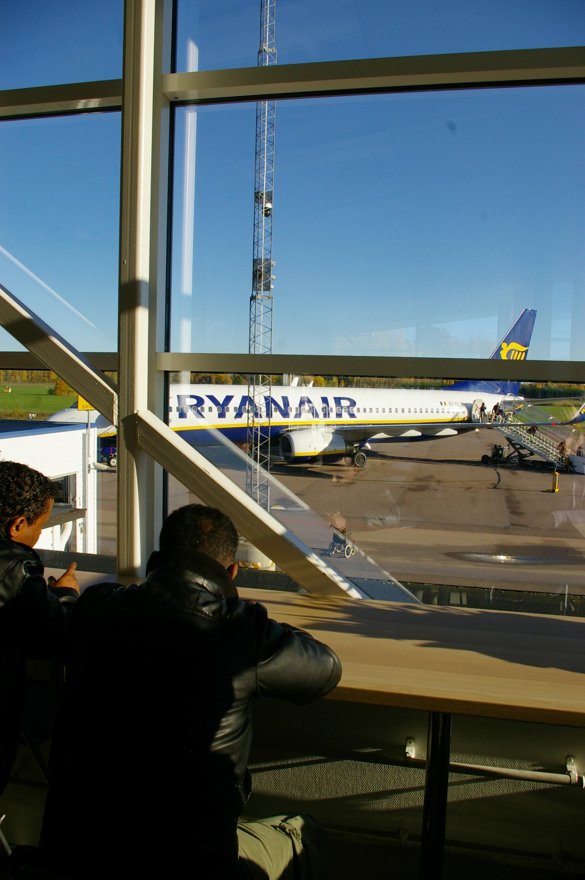 Att hålla liv i Västerås flygplats blir en alltmer kontroversiell fråga. Foto: Erik Hjärtberg